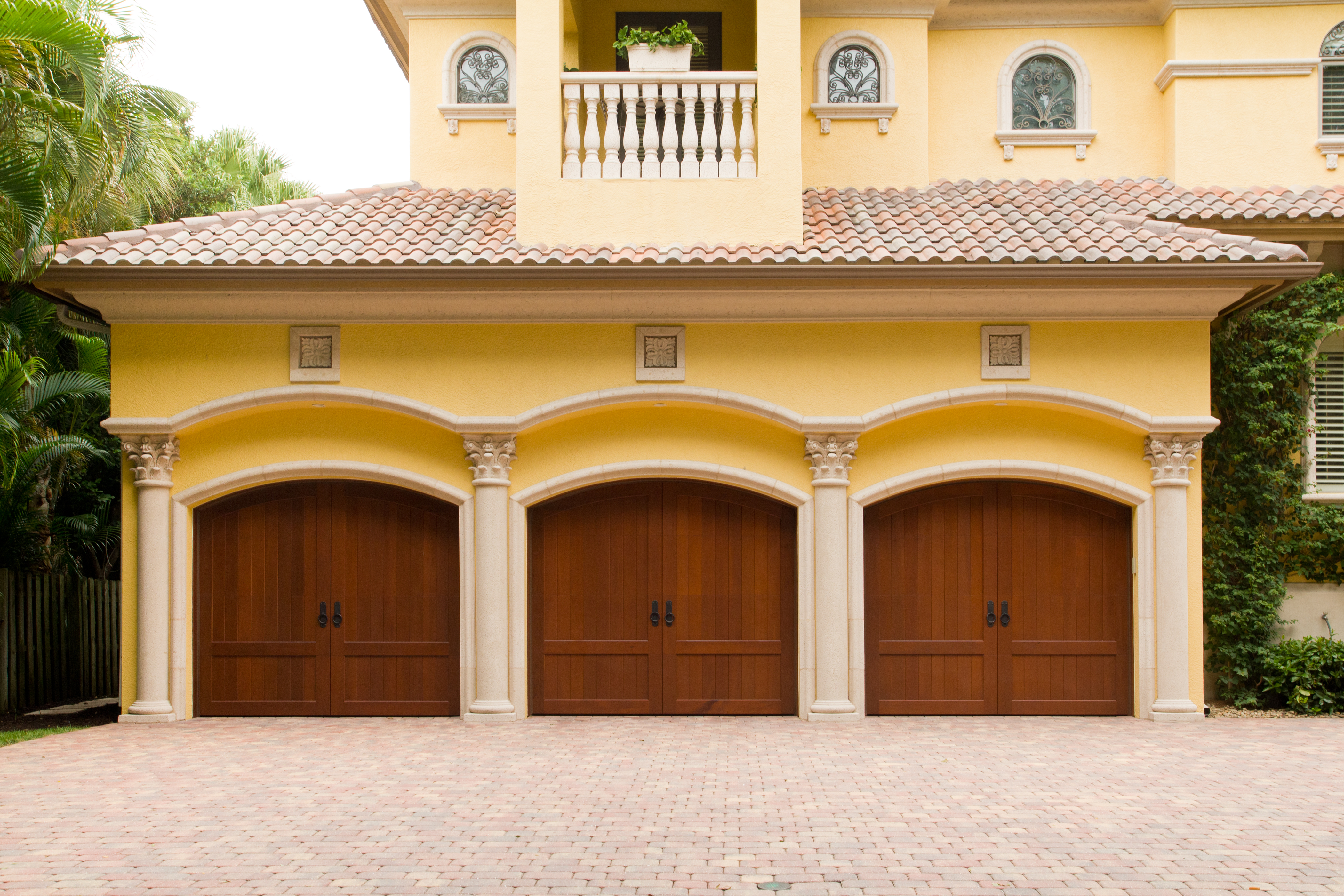 Why choosing a carriage style garage door is better than for Carriage style